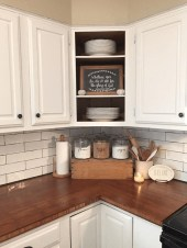 Best DIY Farmhouse Kitchen Decorating Ideasl 22