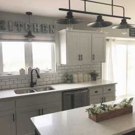 Best DIY Farmhouse Kitchen Decorating Ideasl 23