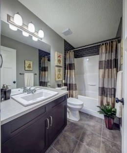 Gorgeous Small Master Bathroom Remodel Ideas 02