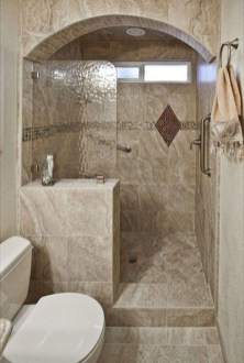 Gorgeous Small Master Bathroom Remodel Ideas 04