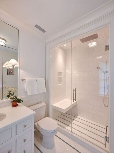 Gorgeous Small Master Bathroom Remodel Ideas 12