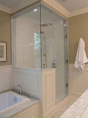 Gorgeous Small Master Bathroom Remodel Ideas 25