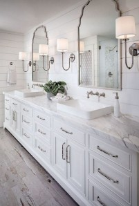 Gorgeous Small Master Bathroom Remodel Ideas 34