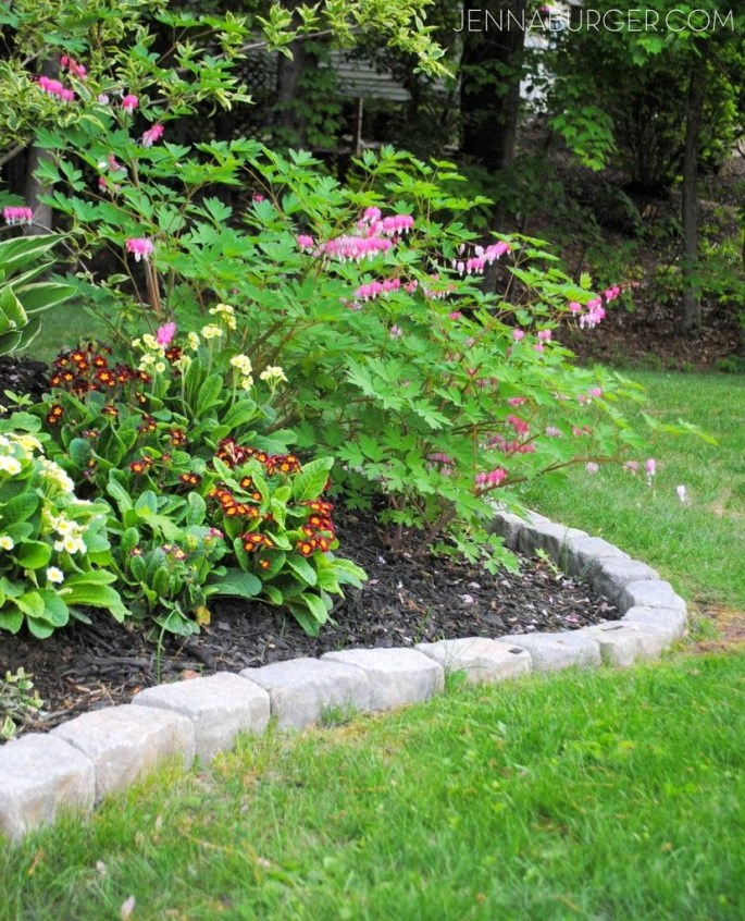 Perfect Landscaping Ideas For Your Summer 24