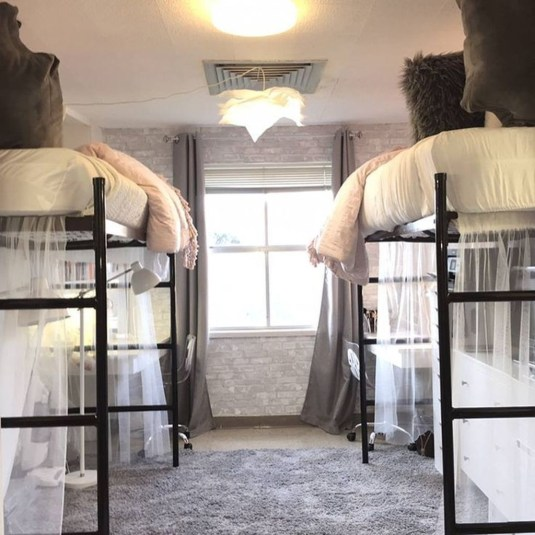 Awesome Dorm Room Decoration With Double Bed 37