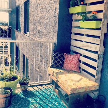 Comfy Small Seating Area In Your Balcony 01