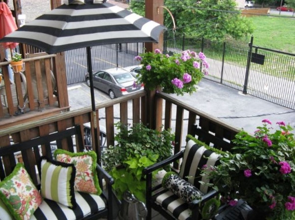 Comfy Small Seating Area In Your Balcony 25