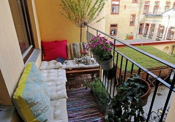 Comfy Small Seating Area In Your Balcony 33