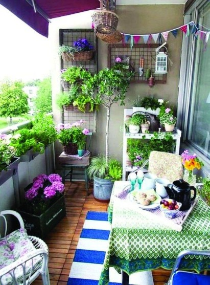 Cozy Garden Balcony Design And Inspiration 12