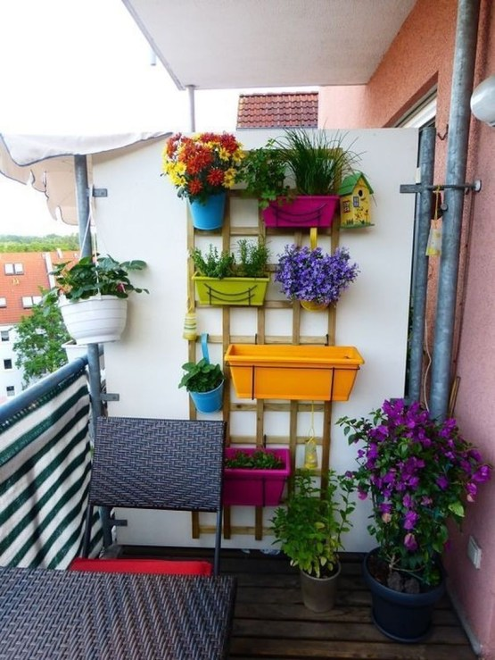Cozy Garden Balcony Design And Inspiration 14
