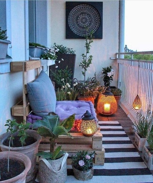 Cozy Garden Balcony Design And Inspiration 32