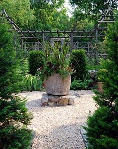 Creative Large Garden Inspiration In The Backyard 18