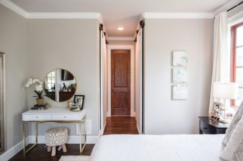 Easy Tips To Decorate Small Master Bedroom With Neutral Color 06