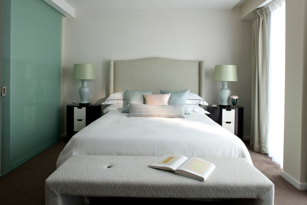 Easy Tips To Decorate Small Master Bedroom With Neutral Color 07