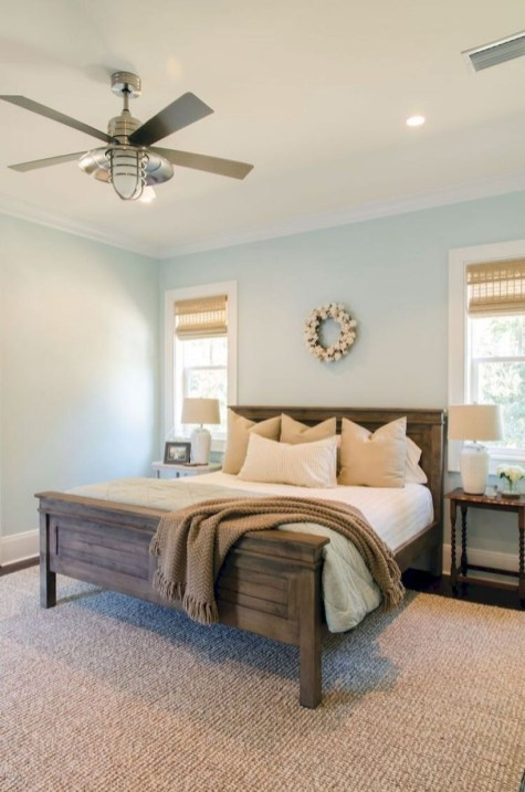 Easy Tips To Decorate Small Master Bedroom With Neutral Color 19