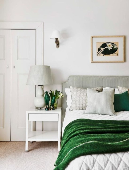 Easy Tips To Decorate Small Master Bedroom With Neutral Color 23