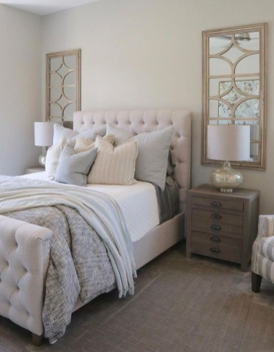 Easy Tips To Decorate Small Master Bedroom With Neutral Color 24