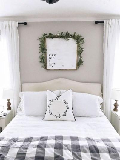 Easy Tips To Decorate Small Master Bedroom With Neutral Color 25