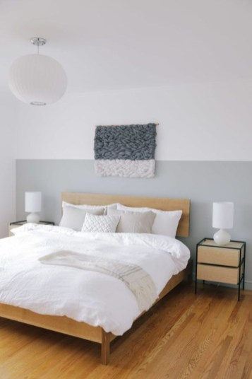 Easy Tips To Decorate Small Master Bedroom With Neutral Color 27