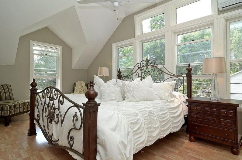 Easy Tips To Decorate Small Master Bedroom With Neutral Color 30