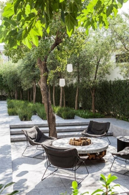 Fabulous Seating Area In The Garden 35