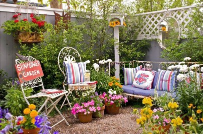 Fabulous Seating Area In The Garden 36
