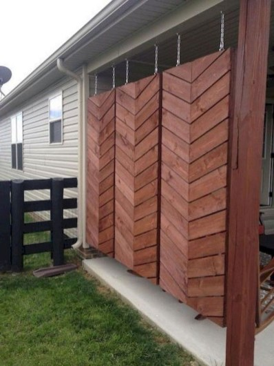 Fabulous Wooden Fences For Front Yard Remodel 13