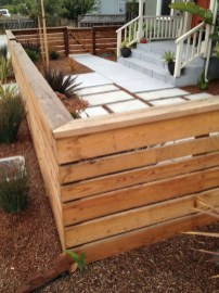 Fabulous Wooden Fences For Front Yard Remodel 17