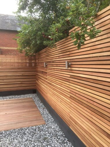 Fabulous Wooden Fences For Front Yard Remodel 30