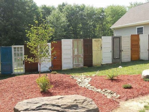 Fabulous Wooden Fences For Front Yard Remodel 33