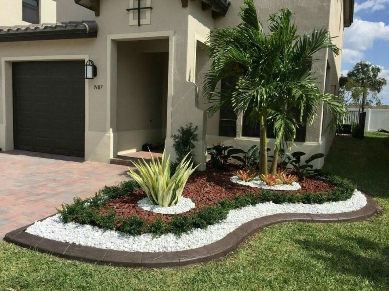 Fantastic Flower Landscape Design Ideas For Front Yard 23