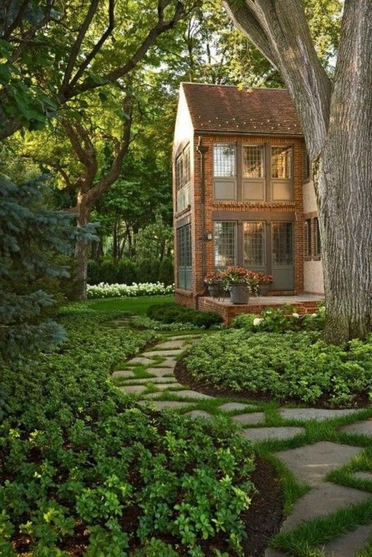 Fantastic Flower Landscape Design Ideas For Front Yard 40