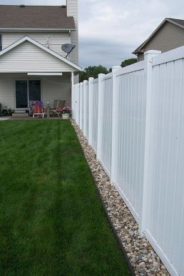 Gorgeous Garden Fences To Beautify Your Backyard 20