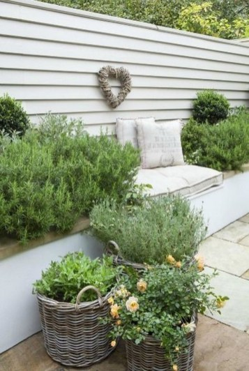 Gorgeous Garden Fences To Beautify Your Backyard 29
