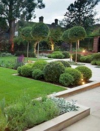 Perfect Bed Garden Design For Your Front Yard 06