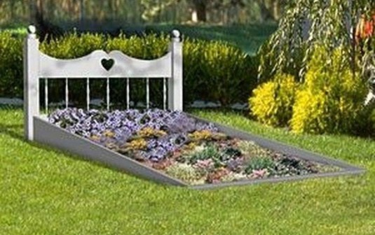 Perfect Bed Garden Design For Your Front Yard 36