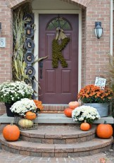 Perfect Front Porch Decoration For Fall 08