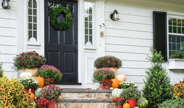Perfect Front Porch Decoration For Fall 24