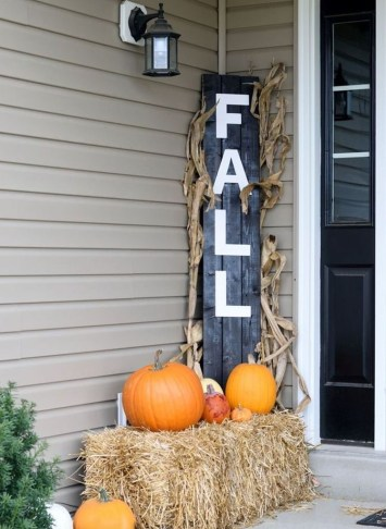 Perfect Front Porch Decoration For Fall 30