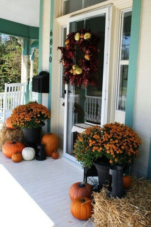 Perfect Front Porch Decoration For Fall 33