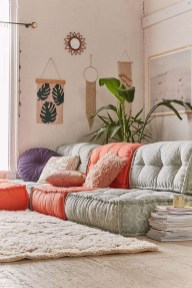 Simple And Cheap Summer Decor For Your Bedroom 15