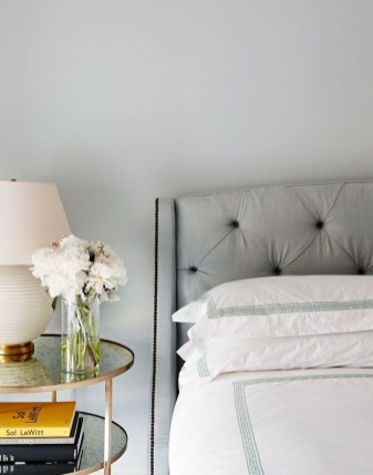 Simple And Cheap Summer Decor For Your Bedroom 34