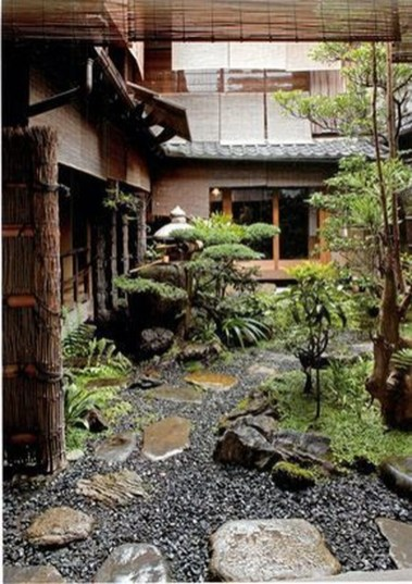 Small Courtyard Design With Some House Plants 06