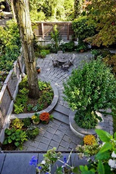 Small Courtyard Design With Some House Plants 22
