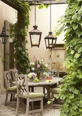 Small Courtyard Design With Some House Plants 27