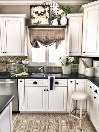 Small Kitchen Decor Idea With Farmhouse Style 08