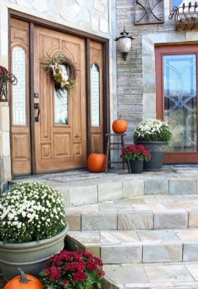 Stunning Fall Front Porch Decoration To Inspire Yourself 17