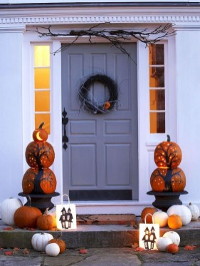 Stunning Fall Front Porch Decoration To Inspire Yourself 32