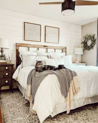 Best Farmhouse Bedroom Decoration You Can Do 07