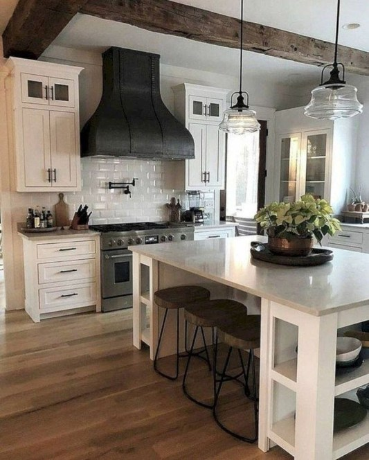 Farmhouse Kitchen Decorating Ideas With Wooden Cabinet 01